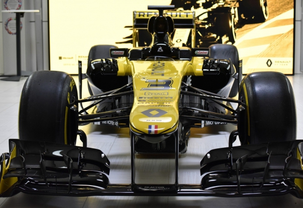 face on view of Renault F1 car